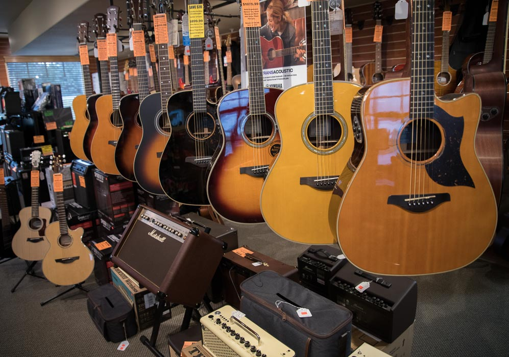 Yamaha, Ibanez Acoustic Classical, Acoustic Electric Guitars and Amplifiers