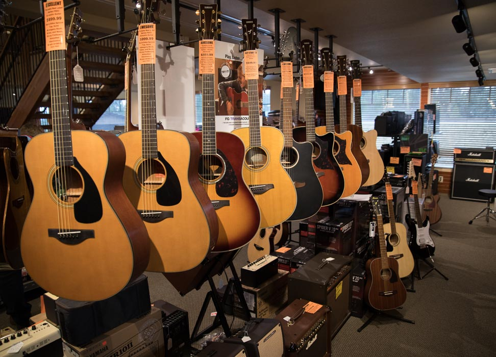 Yamaha, Ibanez Acoustic Classical, Acoustic Electric Guitars and Amplifiers 2