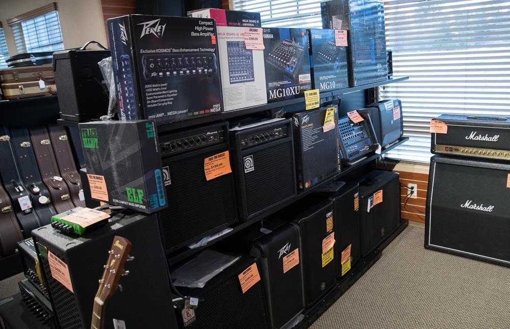 Line 6, Marshall, Peavey, Ibanez Amplifiers