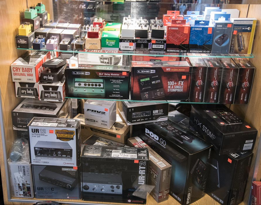 Steinberg, Line 6, Ibanez, Sessioncake, TS9 Tube Screamer Pedals, Audio Interfaces, Software, Hardware, Effects, Wah Pedals, Cry Baby, Looper, Distortion, Chorus, Fuzz, Flanger, Delay, Modeler, Korg Pitchblack, Tuner, Wireless, Bluetooth